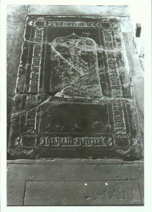 Floor slab of  Eefvese, wife of Gerlach van Myddels