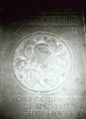 Floor slab of Oede Froma and  Bawe in den Ham alias Froma; detail centre