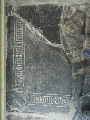 Floor slab of Stas Hallekars, small fragment