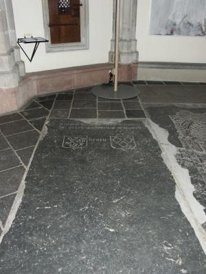 Floor slab of Ghiselberti and Walteri de Renen