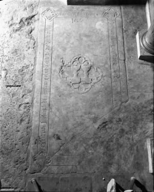 Floor slab of Gyslenus Bastaert and Laurentius de Campo
