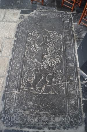 Floor slab of the Van Heukelom family